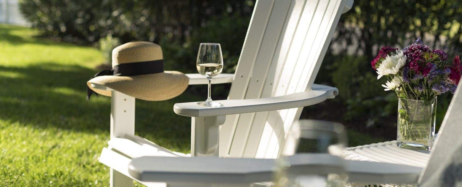 lawn chair and wine glass