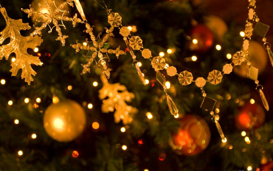 See decorations when you celebrate Christmas on Cape Cod