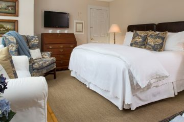 The Brant Point Guest Room